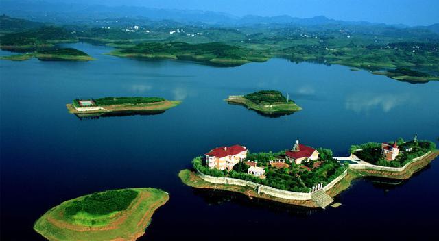 长寿湖,西南地区最大的人工湖泊,也是重庆最大的湖泊,国家4a级景区,是