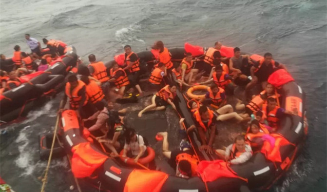 频道 直播丨普吉岛翻船致中国游客1死数十人失踪 正在搜救 2018-07