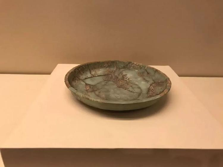 铜漏壶、玻璃盘、