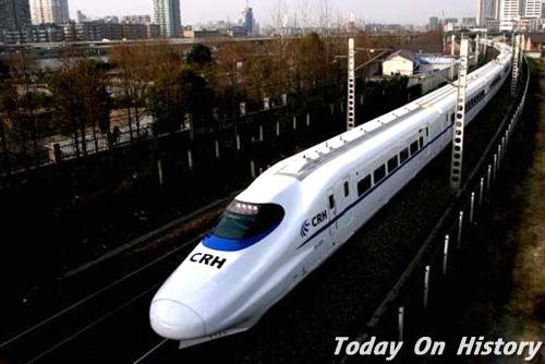 中国铁路第六次提速调图后开行的和谐号动车组列车面世